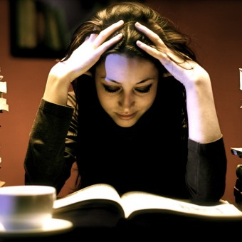 woman-studying1